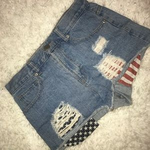 F21 Mid-Rise shorts